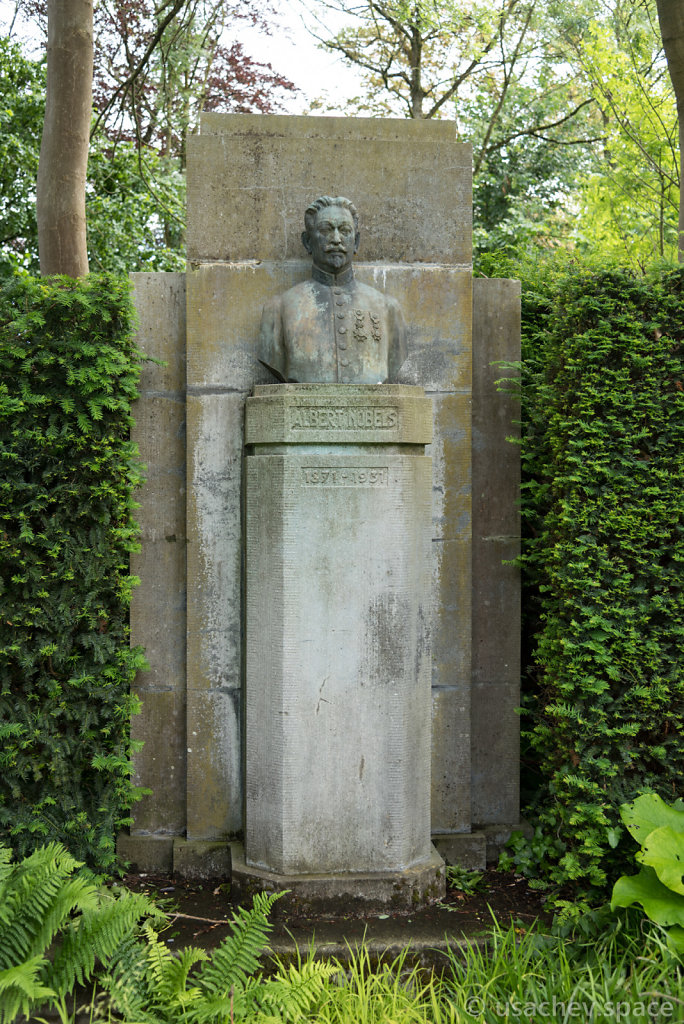 The sculpture of Alfred Nobel in Vrijbroekpark